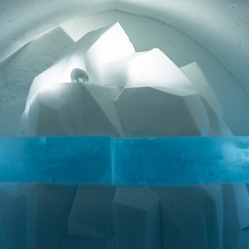 http://franziskaagrawal.com/files/gimgs/th-120_Icehotel30_tipoftheiceberg_franziska_agrawal_sqweb_v2.jpg