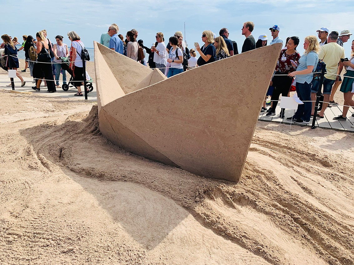 http://franziskaagrawal.com/files/gimgs/th-121_paperboat_sand_agrawal_kalmar19_web4.jpg