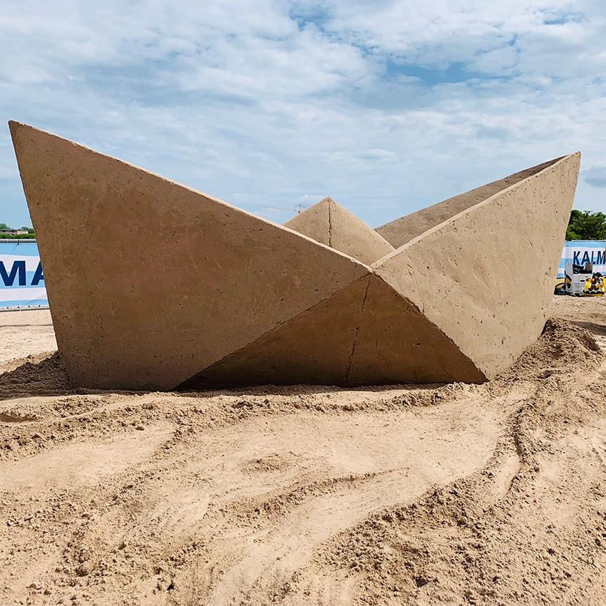 http://franziskaagrawal.com/files/gimgs/th-121_paperboat_sand_agrawal_kalmar19_web5.jpg